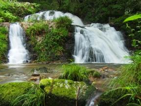 河鹿沢の雄滝
