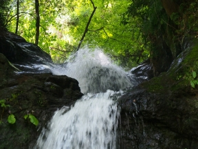 牛妻不動の滝