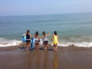 海に入るところ