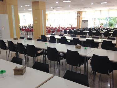 広ーい学生食堂。 ソウル市立大学