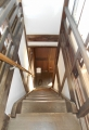 急な階段(下り)