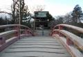 太鼓橋から振り返って見る仁王門