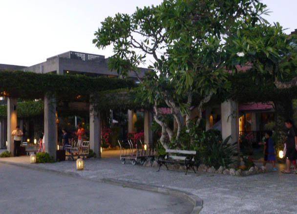 okuma hotel approach