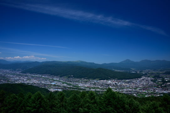 峠の茶屋から望む諏訪盆地