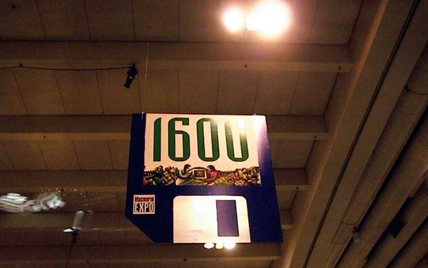 MacExpo1600.jpg