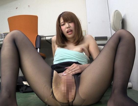 パンスト着衣のオナニーするスケベ娘の足コキ&着衣SEXの脚フェチDVD画像2