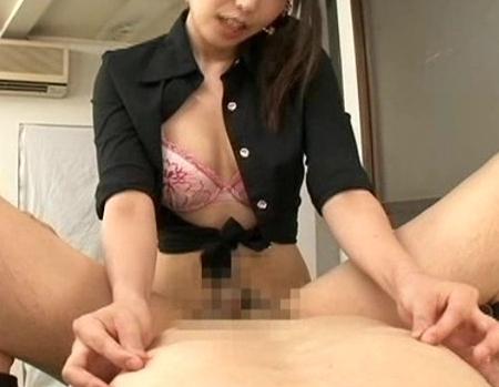 ニーハイ美少女の有村千佳がM男に太腿コキやアナル責めの脚フェチDVD画像6