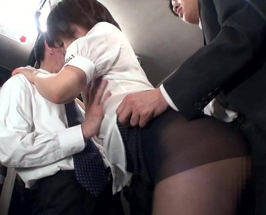 通勤バスのOLパンストを痴漢して破ってバックから挿入の脚フェチDVD画像6