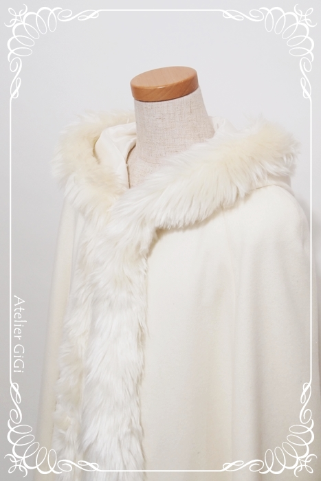 Elsa-SnowCape-1c.jpg