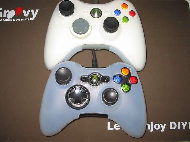 TitoSoy Xbox 360 シリコンコントローラーカバー ホワイト 装着作業、同じような要領で Xbox 360 コントローラー(ホワイト)にもシリコンコントローラーカバーを装着