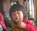 食べてる時はオトナシイ弟
