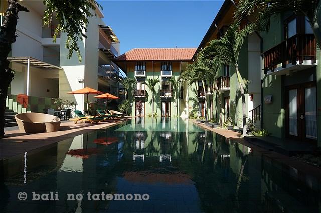 SHARRIS Hotel Tuban (3)