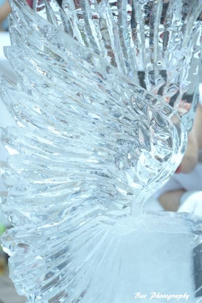 氷の彫刻1bee