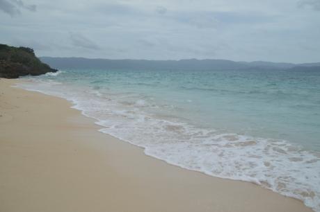 3有名な屋良浜は大分濁っていた