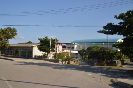 22島の真ん中にある学校