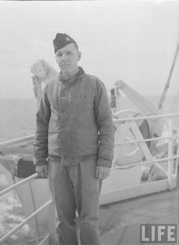 us-navy-deck-jackets-n-1-2-L-4.jpeg