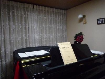 ピアノ室レース