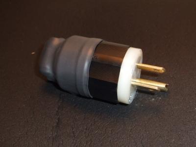 DSCF7637 電源プラグノイズフィルター