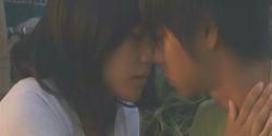 キスしようと界人に額を当てている杏子