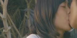 自分の方かに界人にキスをした杏子
