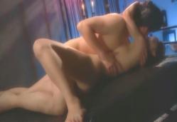 裸で抱き合う誠と祥子