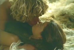 またキスをする