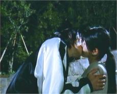 孝之にキスされる布美子