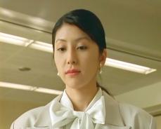生徒たちがゲラゲラ笑っているのに気付く希美子