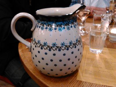pizzeria water pot
