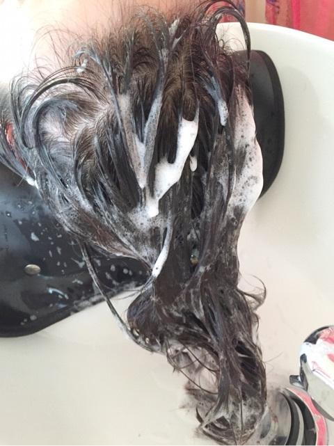 髪を洗う DO-Sシャンプー