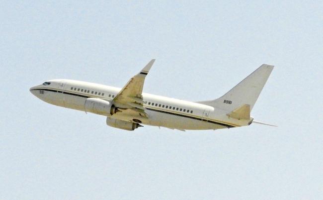 C-40A 168981 Take Off