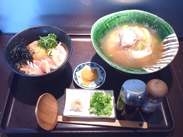 吉野葛ひやしあんかけUDON&朝挽き鶏のユッケ丼