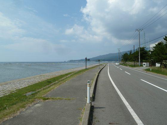 鵜ノ崎海岸を走る県道59号線