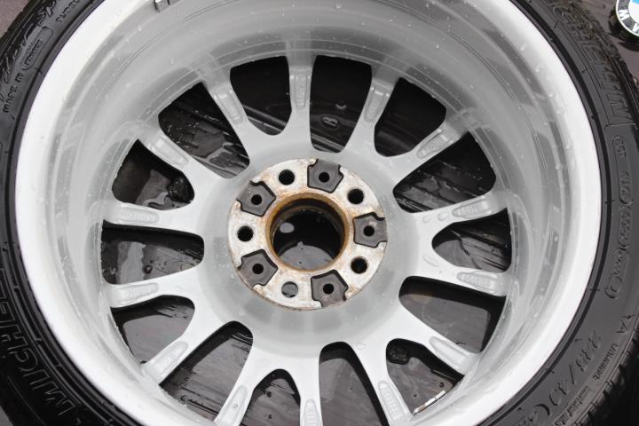 BMW325iホイール脱着洗浄