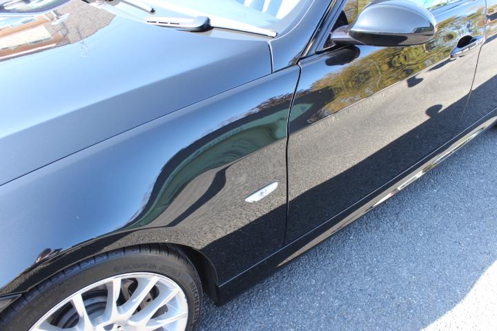 BMW325iドアパネルの移り込み
