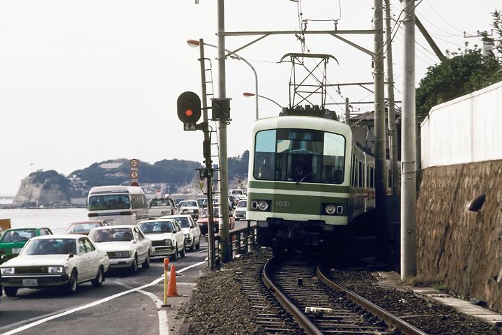 6211江ノ電_鎌倉高校前駅〜七里ヶ浜駅間_1001編成