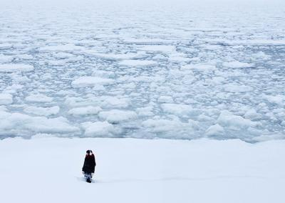 『私の男』 陸に接岸する流氷が広がる。撮影はさぞかし大変だったろうと思う。