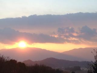 金剛山に沈む夕陽