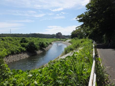 俣野堰上流の境川