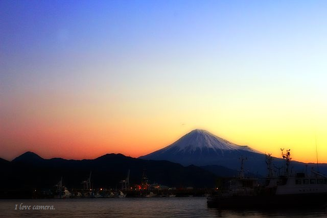 kako-NuT3K81m4vfmXk4Z富士山
