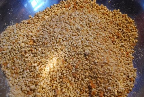 麦麹と塩と種味噌を混ぜて11