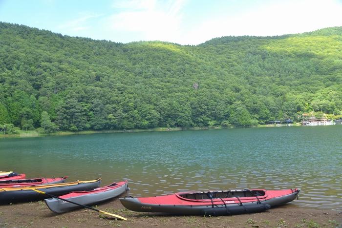 四尾連湖にボート9-1