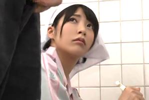 「清掃中」の立て看板で誰も入ってこない密室のトイレでモデル清掃員を強姦☆