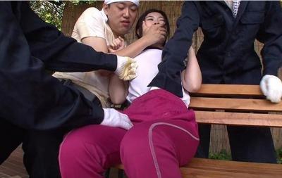 『止めて・・オカシクナル☆☆』林間学校に来たJCのまんこを次々と壊していくキチク強姦☆