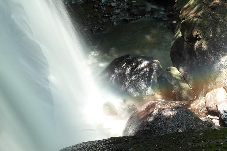 鶏鳴の滝、4