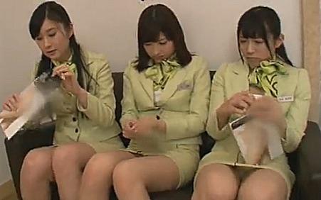 貿易会社勤務の素人美女3人をナンパして4Pセックス!