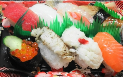 寿司盛り 炙りハモ入り