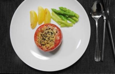 トマトのファルシー アスパラ&ポテト添え