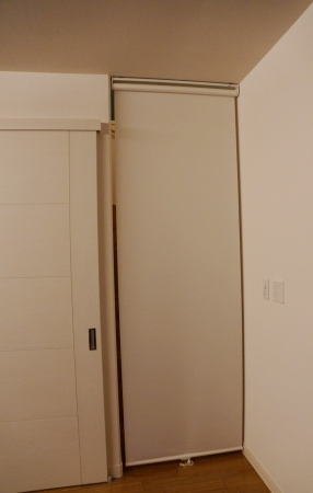素人がリビング階段にロールスクリーンを付ける
