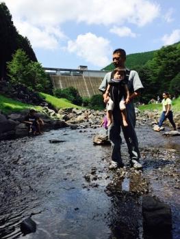 松田川ダムにて水遊び1